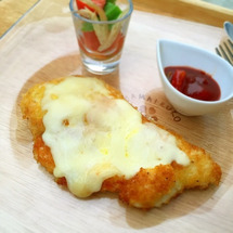 とろぉ〜りチーズのチ…