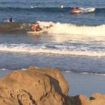 しばらく波は続きそう…