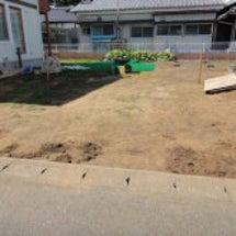 富里市 芝生を敷く為…