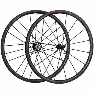 Racing-Zero-Carbon-Clincher-wheel-set