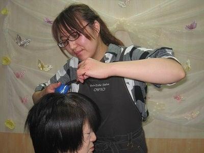 真紀子と村松