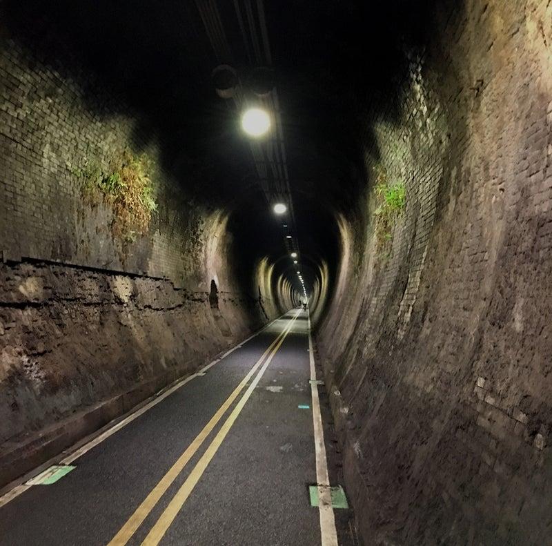 26トンネルの中