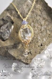 ハーキマーダイヤモンドのワイヤーペンダント