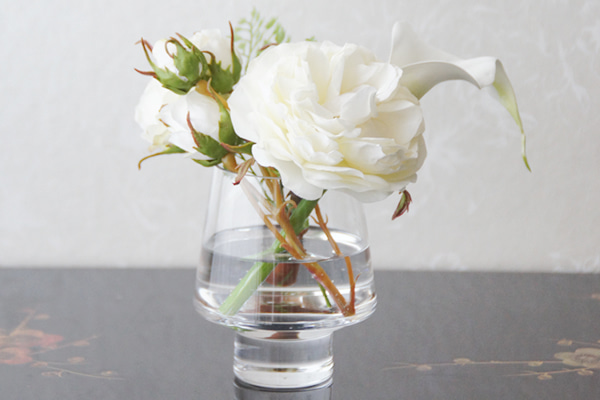 白いバラ 造花