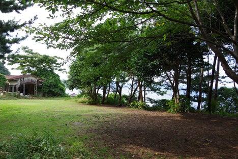 汐吹公園に面しているキャンプ場。2