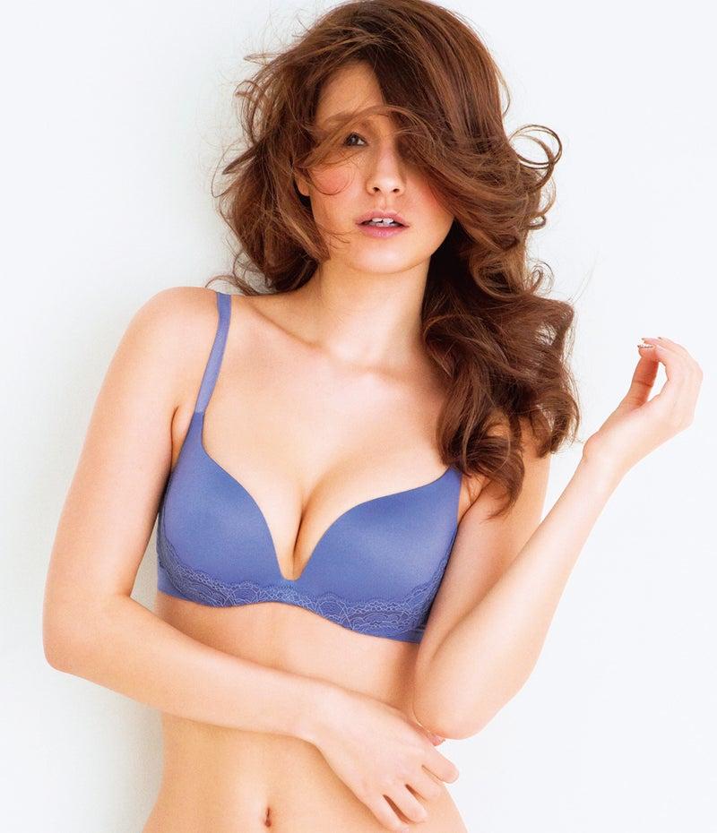 「マギー  胸」の画像検索結果