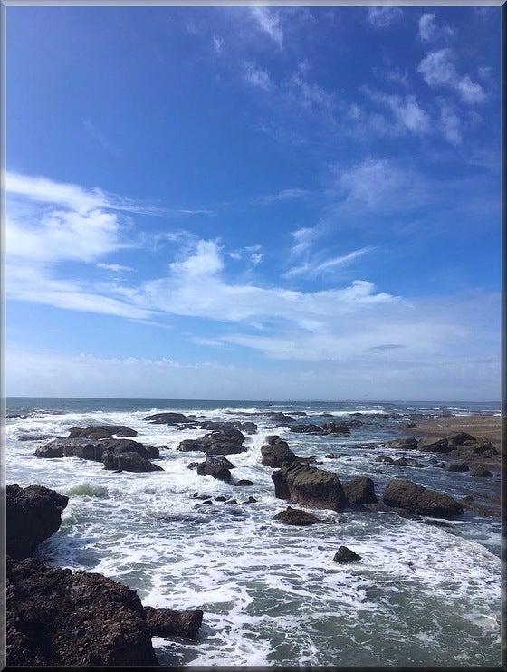 茨城県 大洗磯前神社 海 波しぶき 砂浜 岩場 自然
