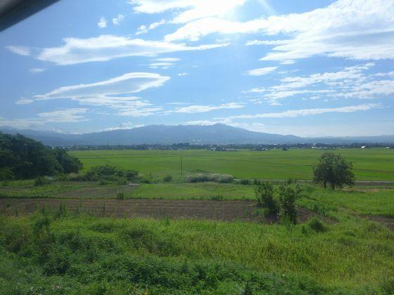 喜多方北部から会津磐梯山を望む