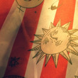 太陽と月のシャツ