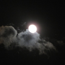 月とクリスタルの集い…