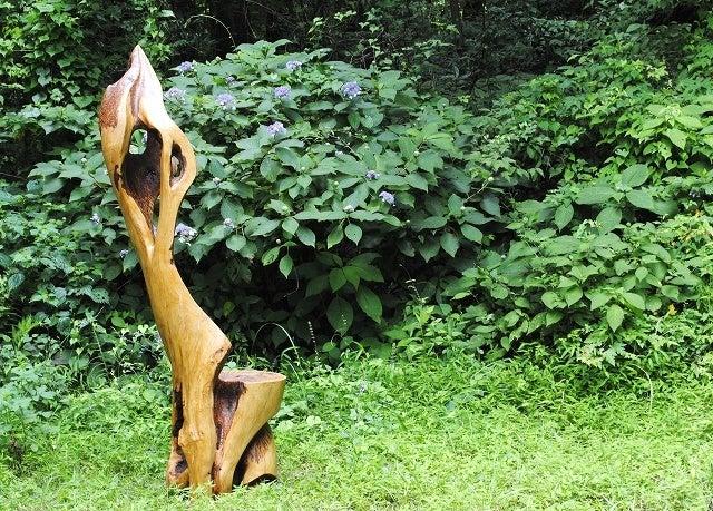 桜の彫刻 椅子