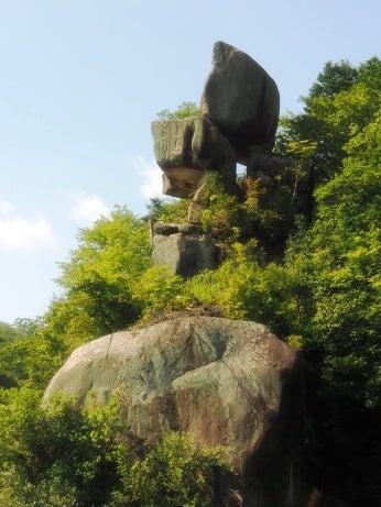 恵那峡のリスキーな奇岩