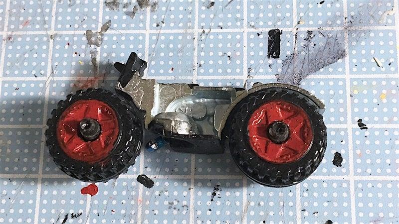 組立作業:タイヤ取り付け