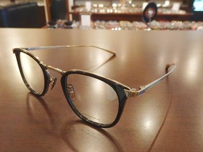 秋 眼鏡 2