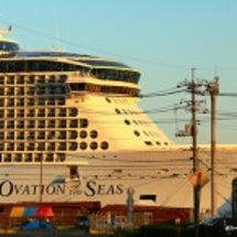 世界最大級の客船「オ…