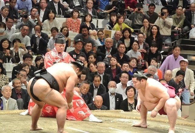 大相撲九月場所十三日目 松鳳山vs遠藤