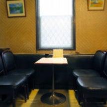 人気の喫茶店でホット…