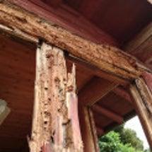 丸太の梁や柱の部分補…