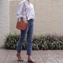 白シャツ × デニム…