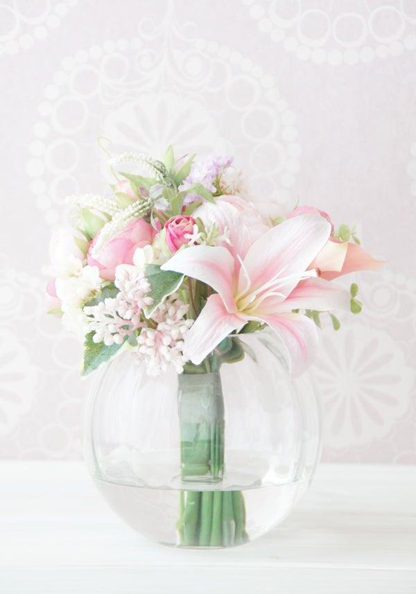 造花ピンクのブーケ