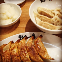 椎名町で餃子一番のギ…