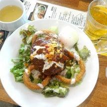 猿カフェと北海道物産…