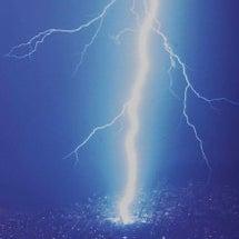 雷と光の画像