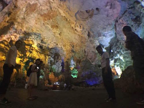 ベトナム ハロン湾 ティエンクン鍾乳洞