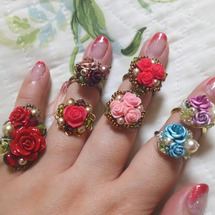 薔薇のブーケのリング…