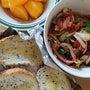 イカ炒めと柿の朝食