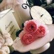 ピンクの薔薇とインス…