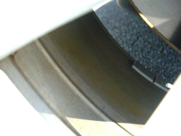 ホイールの内側にこびりついた鉄粉・ブレーキダスト