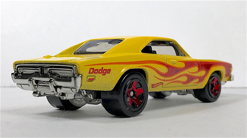 Hotwheels69DodgeCharger右後ろ