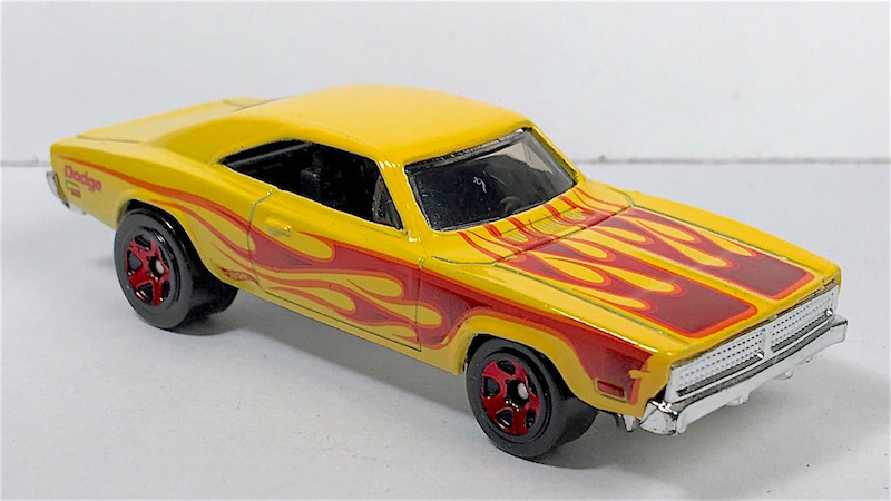 Hotwheels69DodgeCharger右前上