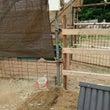 鶏小屋に電気配線工事…