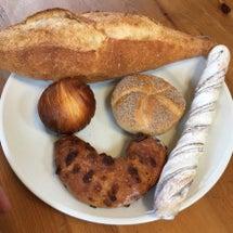 近所の有名なパン屋オ…