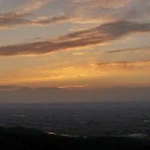 稲葉山から見る夜明け