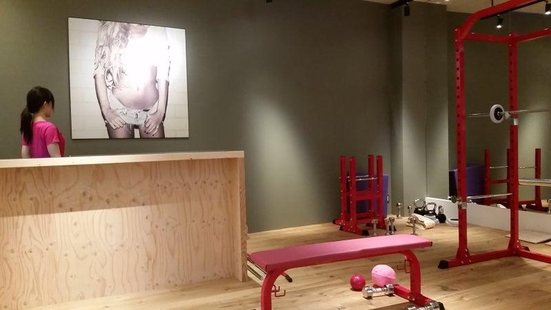 ShapesGirl(シェイプス ガール)熊本店|おぜきとしあき直営Shapesシェイプス|おぜきとしあきボディメイクジム|女性専用パーソナルトレーニングダイエットジム(プライベートジム)Shapesシェイプス