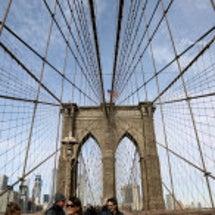ブルックリン橋を歩い…