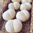 白パンで朝食