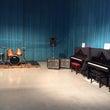 スタジオでピアノ練習…