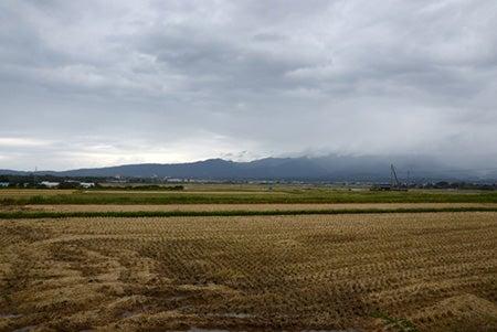 農作業の終わった田園