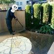 高圧洗浄機でお庭をピ…