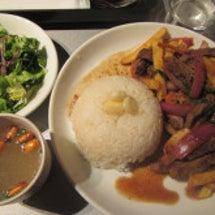 ペルー料理と紫トウモ…