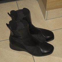 良い靴は履き主を素敵…