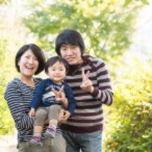 2歳男の子の家族写真…