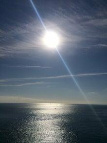 快晴の空と海