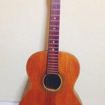 古びたギター