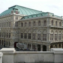 ウィーンへ、やけくそ…