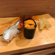 お寿司は2階建構造